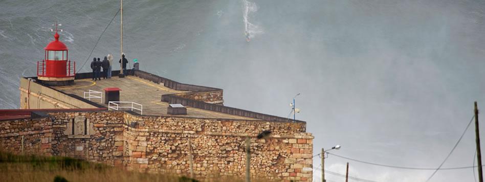 Garrett McNamara e a maior onda já surfada de todos os tempos!